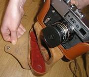 Автограф А.Пугачевой на чехле фотоаппарата ФЕД
