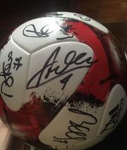 Мяч Adidas European Qualifiers с автографами игроков сборной Украины